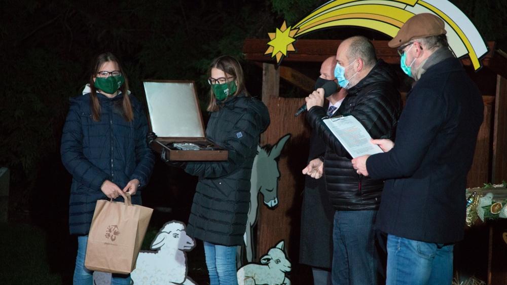 Malého Richarda za uspořádání benefičního koncertu na podporu sbírky Zoo Praha ,,Pomoc pro Austrálii